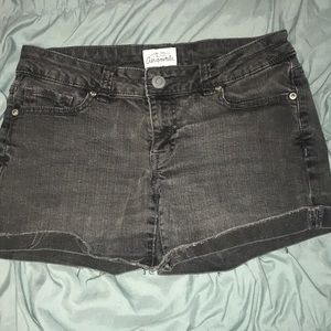 Black Jean shorts by Aeropostale